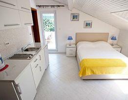 Room Bijela/ Bistra