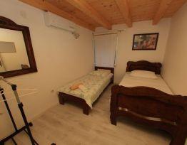 Room Nera