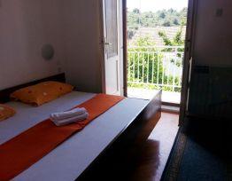 Room dvokrevetna s balkonom