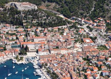 Pina Hvar ( old town apartments ) ap.2