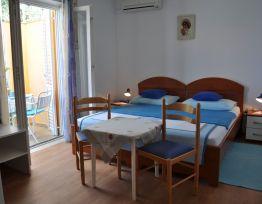Room 4 (Blue)