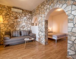 Apartman A 2+2 Romantic