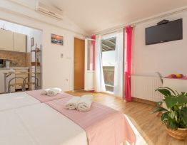 Studio Apartment Rozi