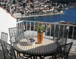 Apartman A5 Hvar at hand