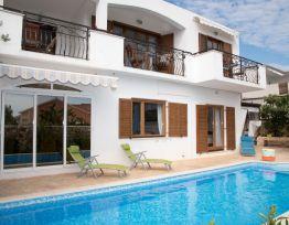 Appartamento Bright apartment in Villa with swimming pool