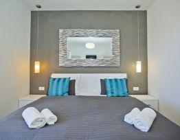 Zimmer dvokrevetna Comfort 2 s bračnim krevetom i pogledom na more