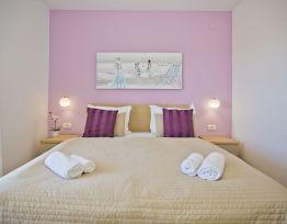 Soba Delux s bračnim krevetom i pogledom na more
