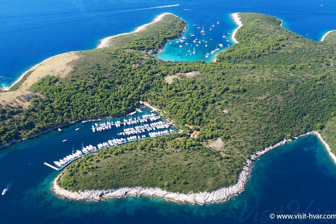 Palmižana  Paklinski otoci  Otok Hvar