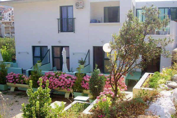 Villa pape citt di hvar studio appartamento a5 blue for Metraggio di appartamento studio