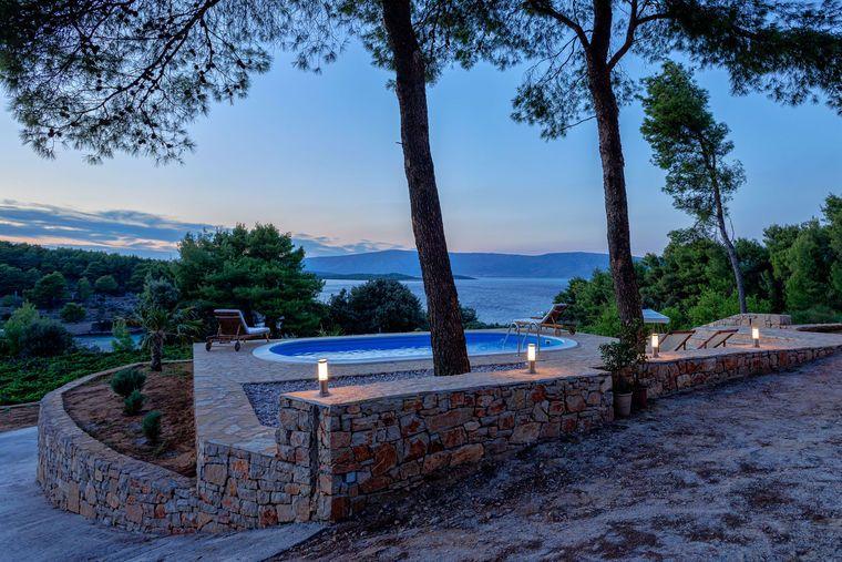 Bucht grebi e haus villa tomic hvar island jelsa for Haus island