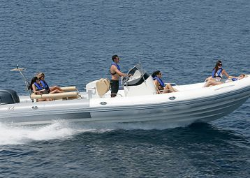 Rent inflatable boats, rent a boat Hvar