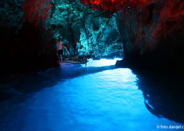 Blue & Green Caves tour