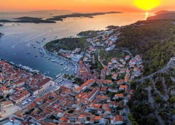 Hvar Island Tour and Olive Oil Tasting