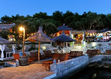 Laganini Lounge bar & Fish house