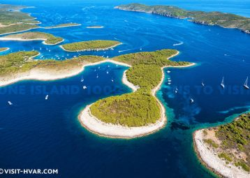 Pakleni Islands Speedboat Tour from Hvar