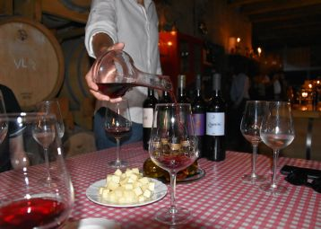 Hvar Wine Tour with Traditional Dinner