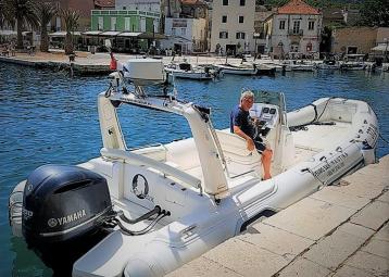 Rent a boat & taxi boat